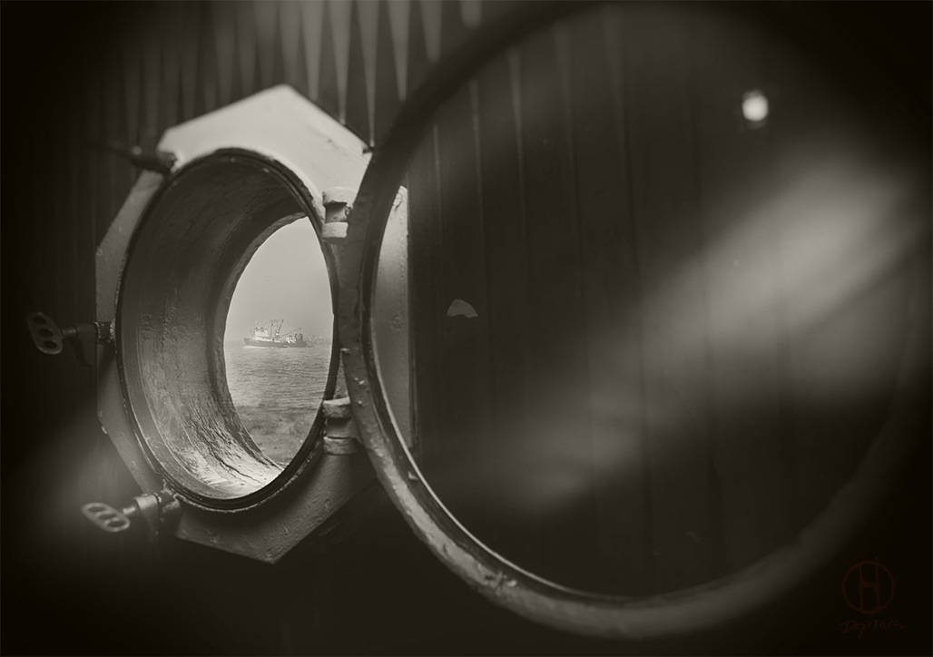 Lighthouse-window-sepia-photography-dapixara