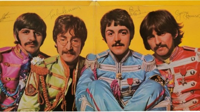 beatles-sgt-pepper-album-sells-for-290500