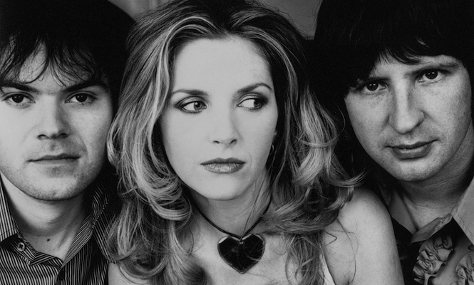 saint-etienne-prepare-new-photo-book-special-edition-with-bonus-7-of-unreleased-material