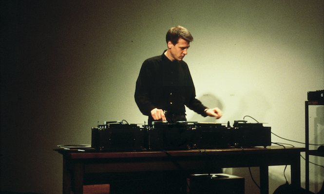 Christian Marclay to perform experimental turntable piece <em>Groove</em> in London