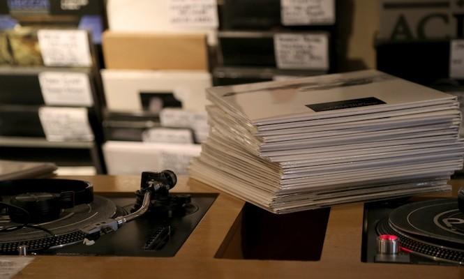 early-report-nielsen-vinyl-sales-slowing-q1-2016