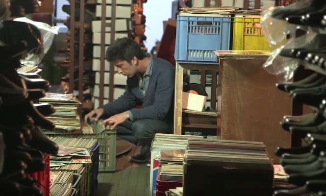 Watch record dealer Victor Kiswell go digging in Colombia