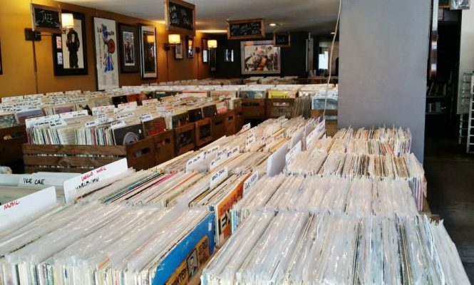 LA record store to give away 25,000 free records