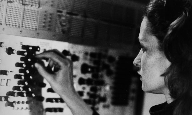 Lose yourself in the tranquil world of Éliane Radigue with this three hour vinyl mix