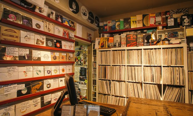 the-vinyl-revival-2016-riaa-data