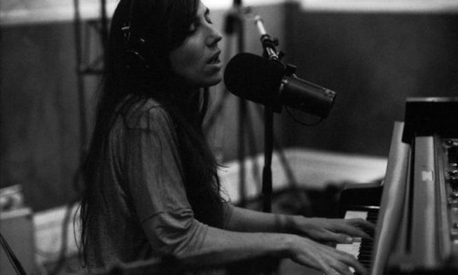 Julia Holter to release live studio album <em>In The Same Room</em> on limited vinyl