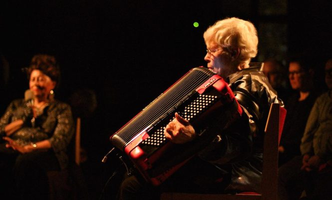 Listen to this 2-hour Pauline Oliveros tribute mix featuring live turntable improvisation