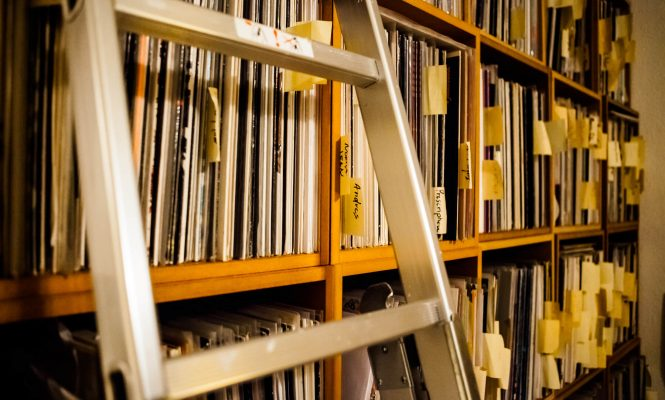UK vinyl sales hit 25-year high