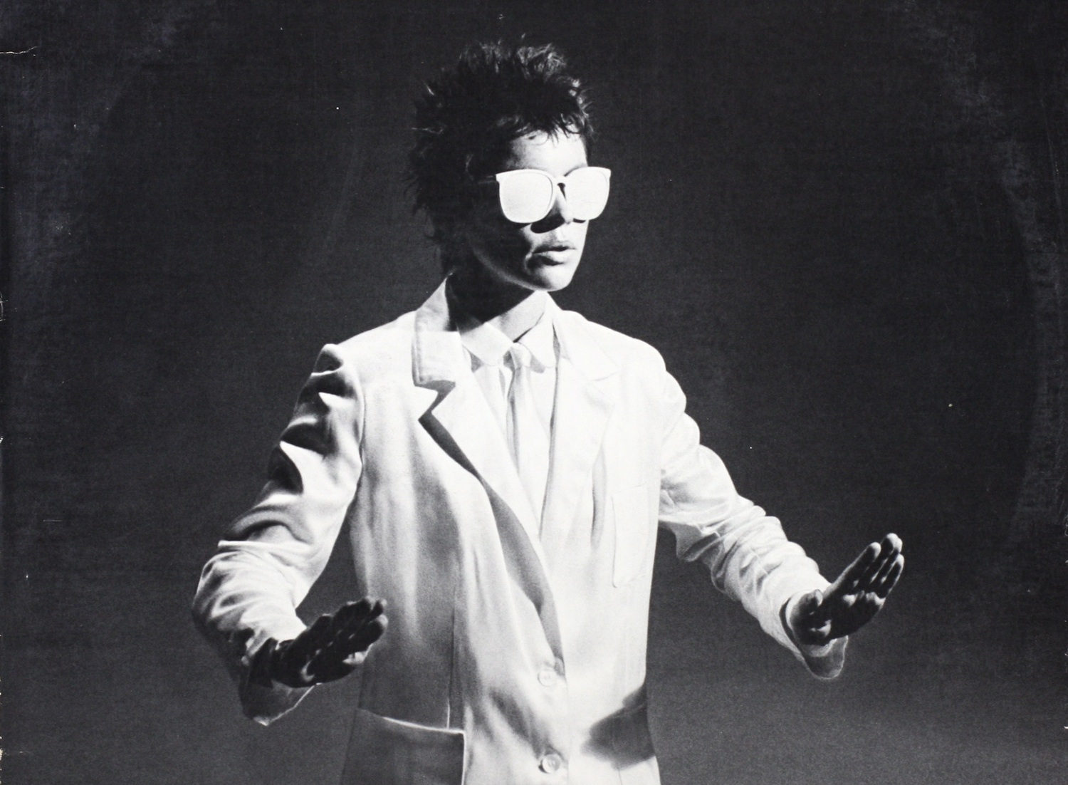 The groundbreaking intersectionality of Laurie Anderson&#8217;s <em>Big Science</em>