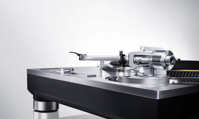 The new Technics SL-1200GAE turntable wins leading design award