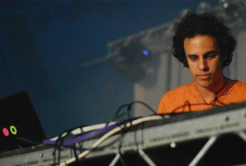 About To Blow Reviews: Four Tet - New Energy | AboutToBlow