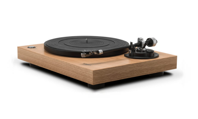 Turntable Review: Roberts RT100