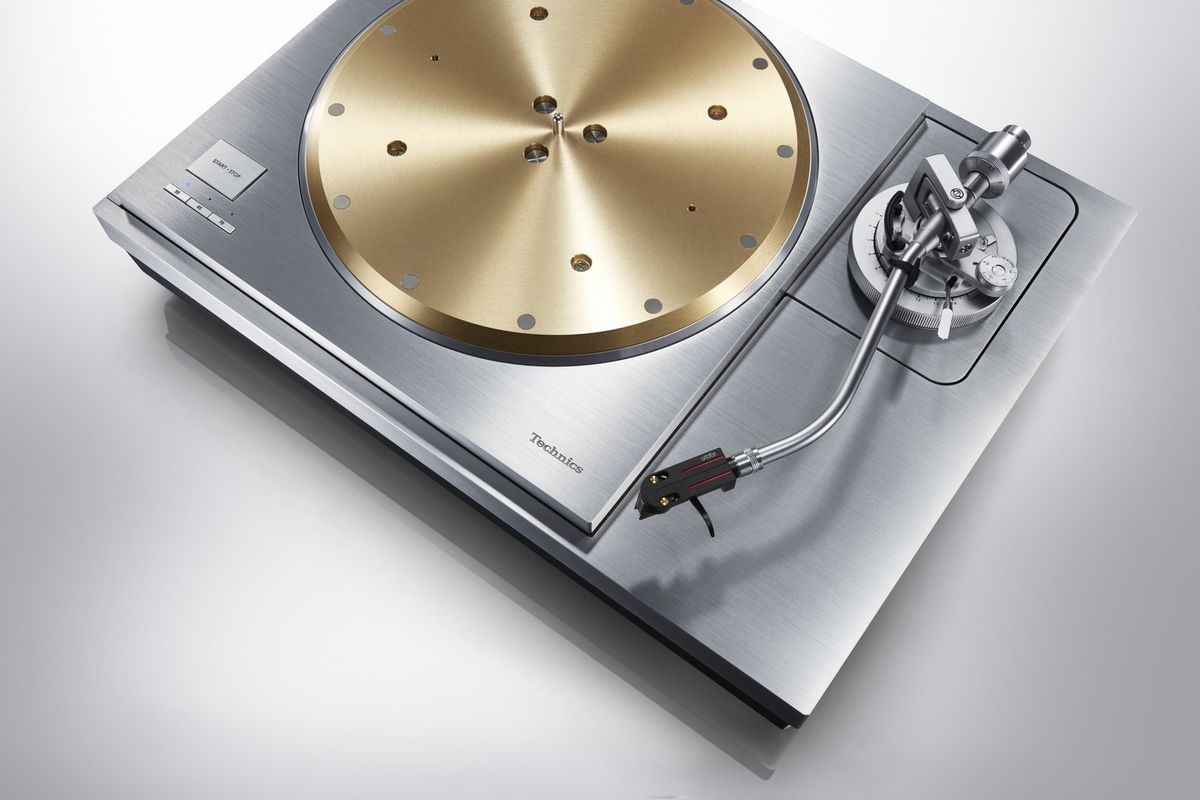 Technics Unveils New Quot Premium Quot Sp 10r And Sl 1000r Turntables