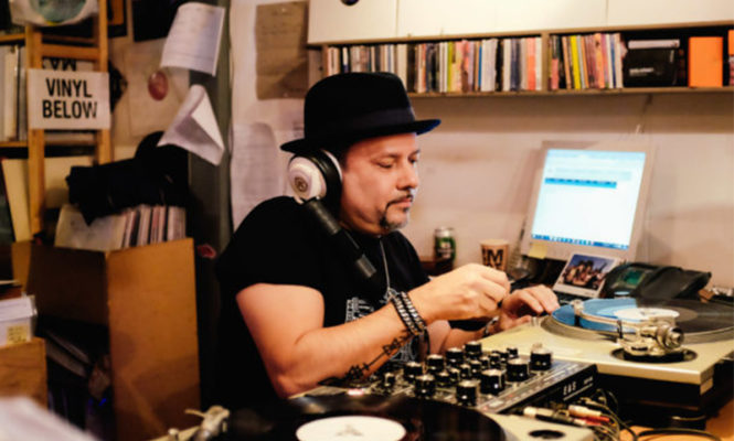 Watch NYC legend Louie Vega DJ at Phonica Records