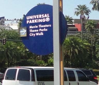 ¿Cuál es el costo de estacionar en Universal?
