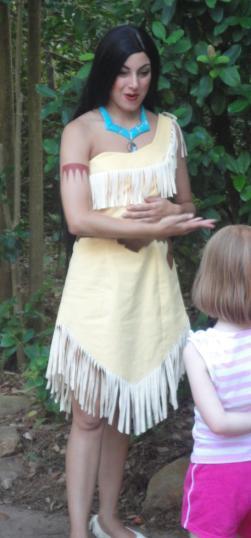 ¿En qué Parques de Disney encuentro a Pocahontas?