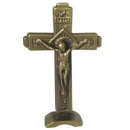 Crucifixo com Base Ouro Velho - 5cm