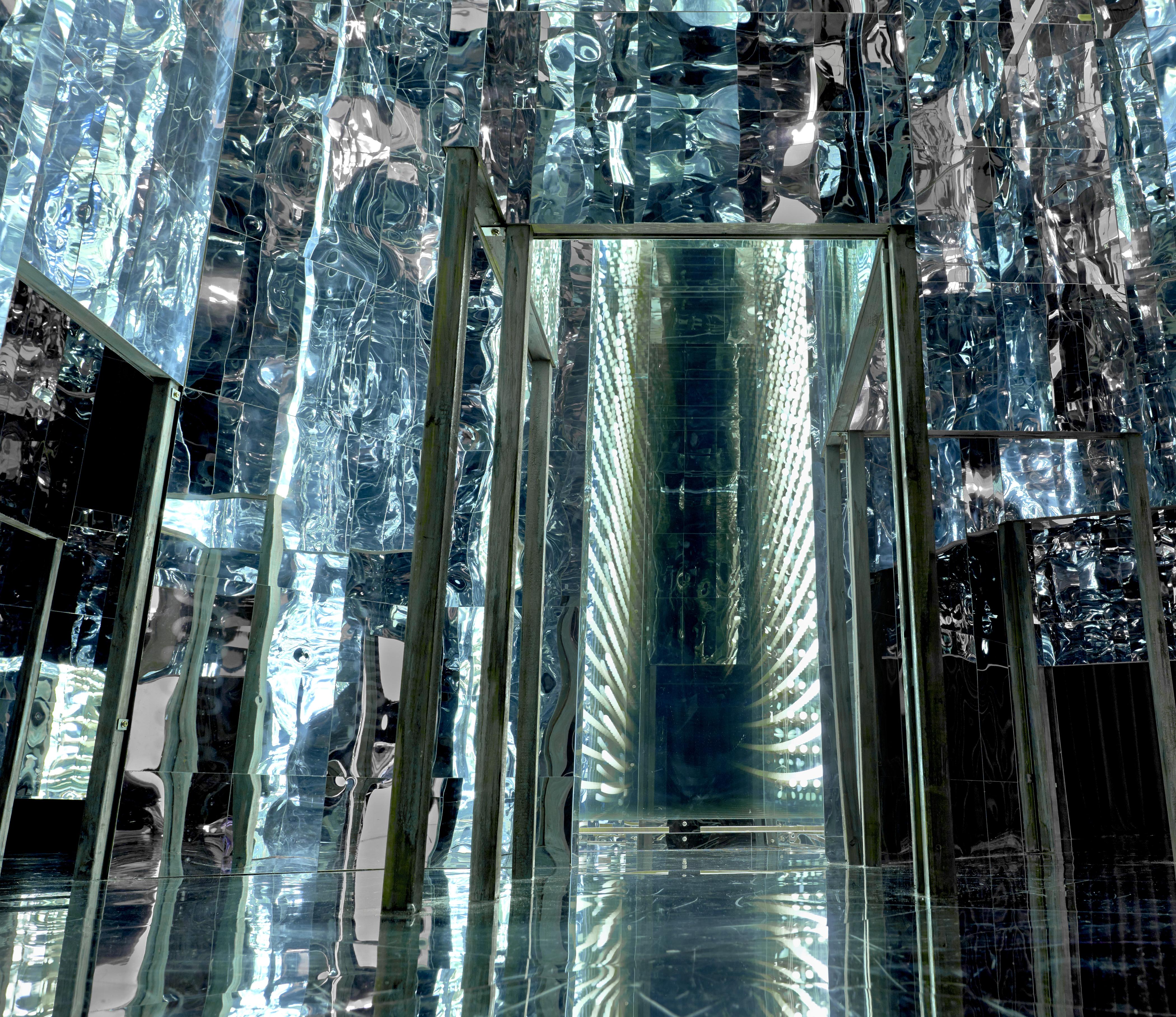 Lee bul 39 s labyrinth of infinity mirrors via negativa ii for Mirror installation