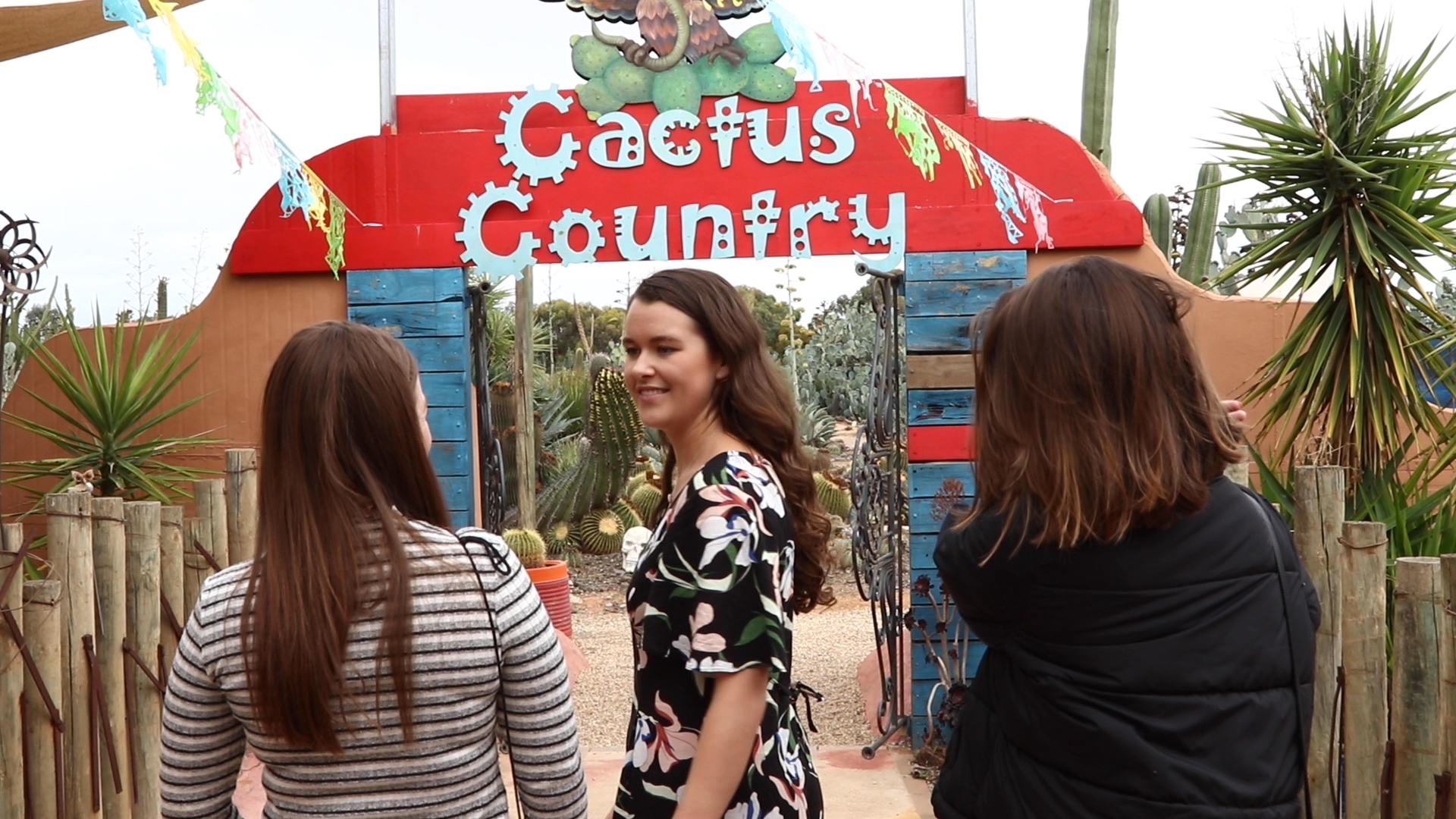 We Tried Cactus Food At Australia's Biggest Cactus Garden - Cactus food!? YUM!
