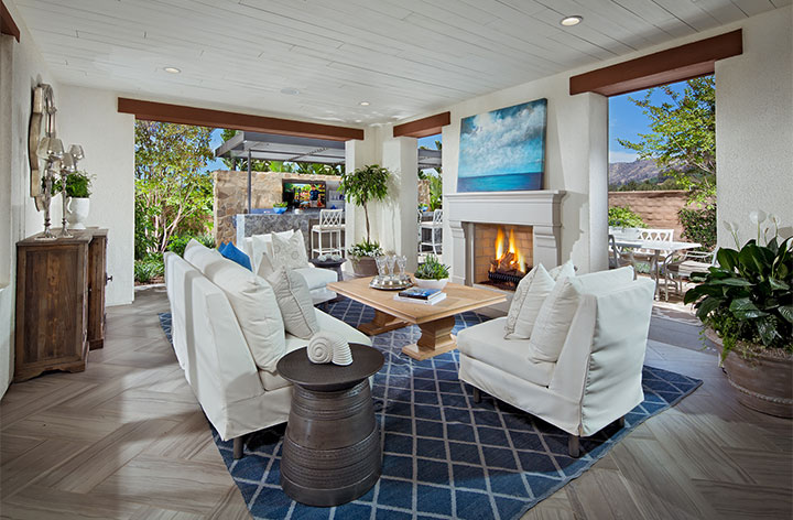 1427-06-PL3_CaliforniaRoom_LaVita_BrookfieldHomes_EricFiggePhotos.jpg
