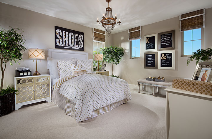 1427-25-PL2_Extra_Bedroom_LaVita_BrookfieldHomes_EricFiggePhotos.jpg