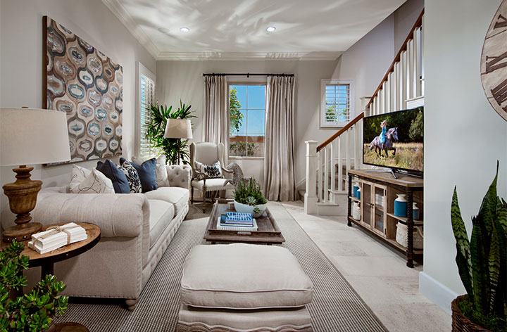 1425-02_PL2_Guest-suite_Messina_TriPointeHomes_EricFiggePhotos.jpg