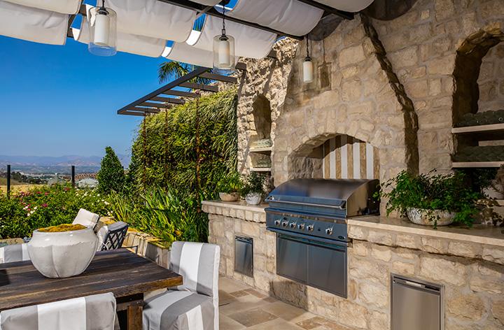 HC_Capri_Portofino_Backyard_720x472.jpg