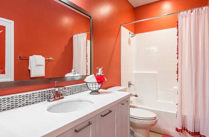 PS_TheVine_PL7_Bathroom_720x472.jpg