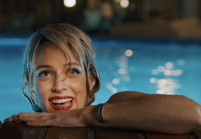 Watch First Trailer for Neo-Noir Thriller UNDER THE SILVER LAKE Starring Andrew Garfield, Riley Keough