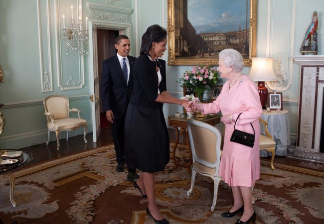 President Barack Obama and First Lady Michelle Obama are welcomed by Her Majesty Queen Elizabeth II to Buckingham Palace in London, April 1, 2009. Official White House Photo by Pete Souza