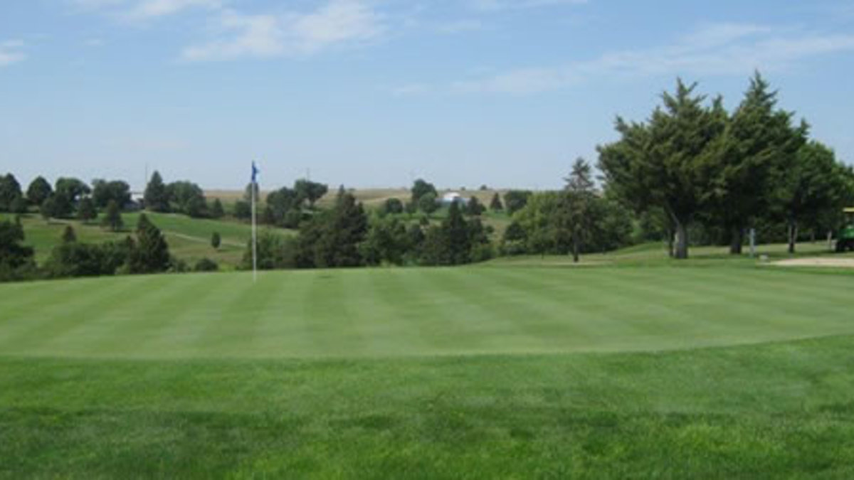 - Gibbon Valley View Golf Course