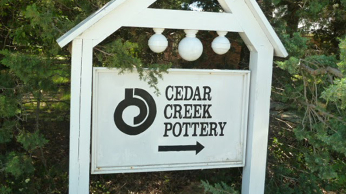 Sign to cedar creek