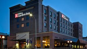 Hilton garden inn lincoln ne exteriornight low res