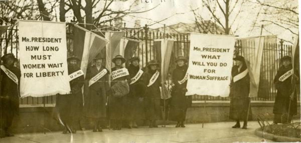 Winona-Exhibit-Minnesota-Women-Vote-White-House