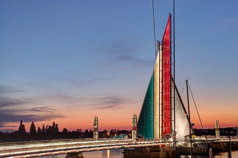 twin-sails-bridge-5