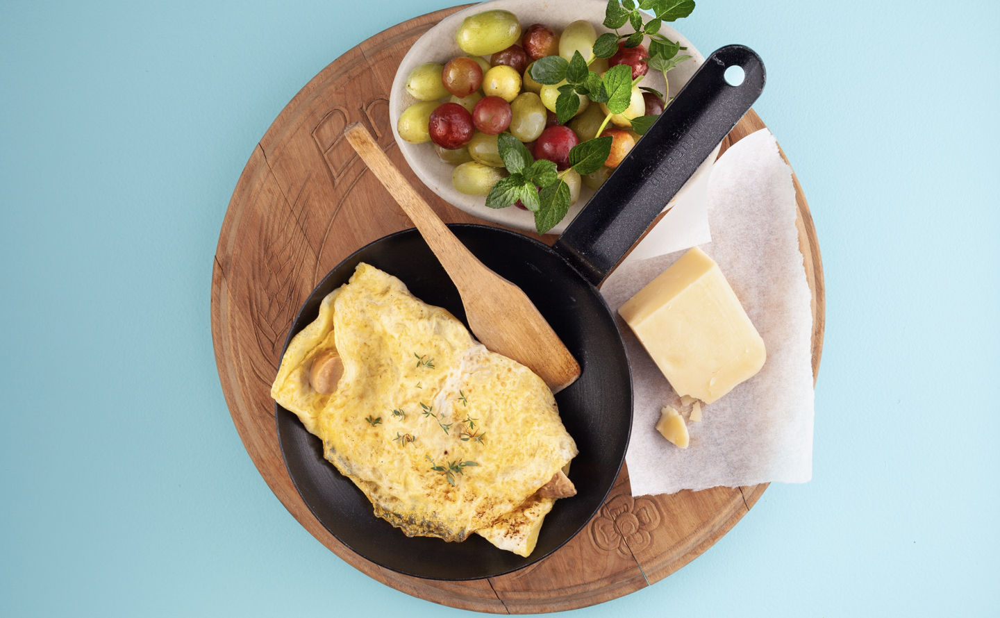 Sausage Cheddar Omelette with Fruit