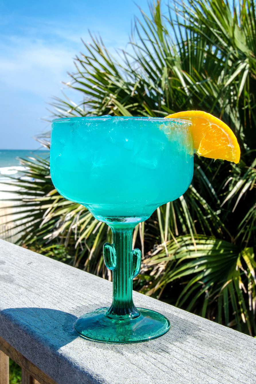 Summertime drink in Myrtle Beach during happy hour.