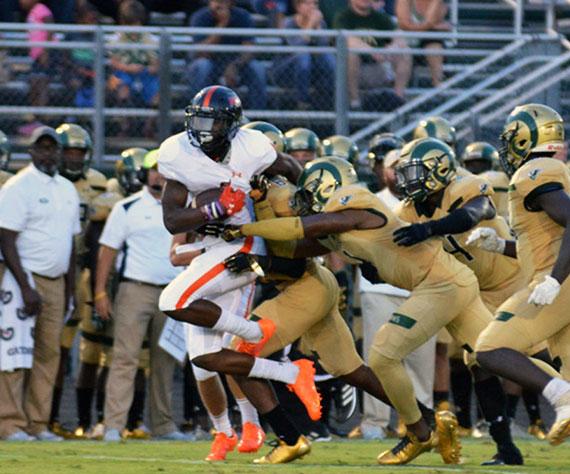 Photo Feature: Hoover (AL) Varsity Football v. Grayson (GA)  / 08.25.17