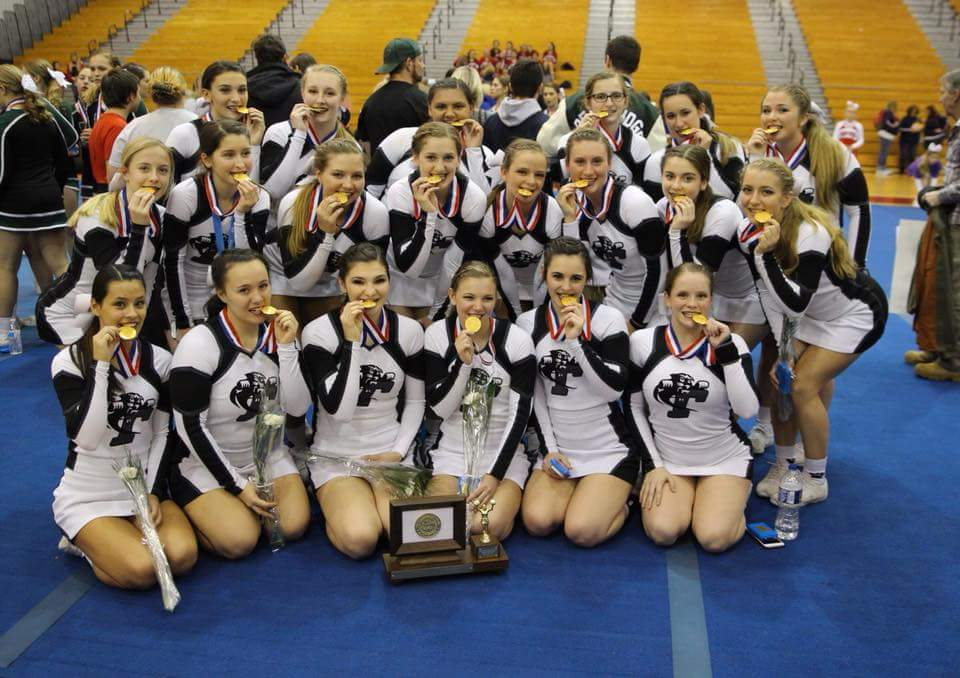 How William Tennent Cheerleading (PA) is using online shopping to get to Nationals