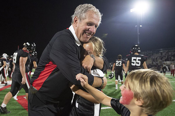 Upper Saint Clair (PA) football coach Jim Render announces retirement after 40 years and 400+ wins​