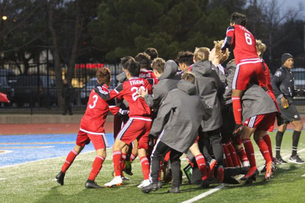 Belton Tigers (TX) Soccer defeats Skyline in PKs to claim Jesuit Meintser title