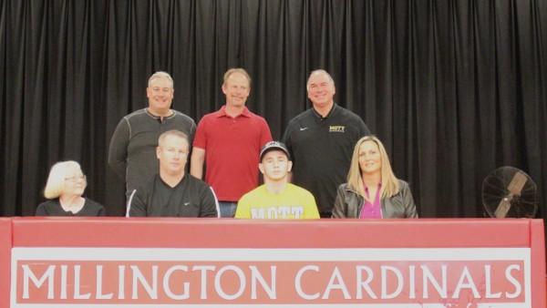 Pardee signs with Mott Community College - Millington ...