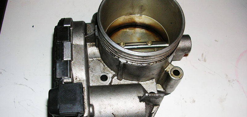 volvo's 1999-2002 etm fails because there is physical contact between two  small parts that results in wear, then damage, then failure