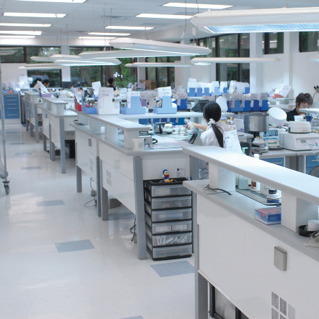 ... lab has recently changed to 3500K LED lighting overhead a brighter environmentally friendly and cost-saving alternative to fluorescent lighting . & LMTmag | Lighting