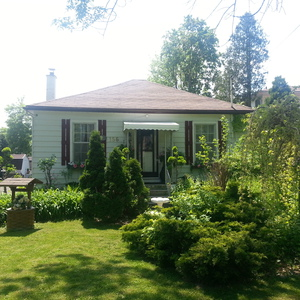 1871 Historic Cottage Rental