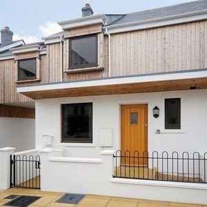 Luxury seaside cottage