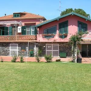 Guesthouse in sicilian villa
