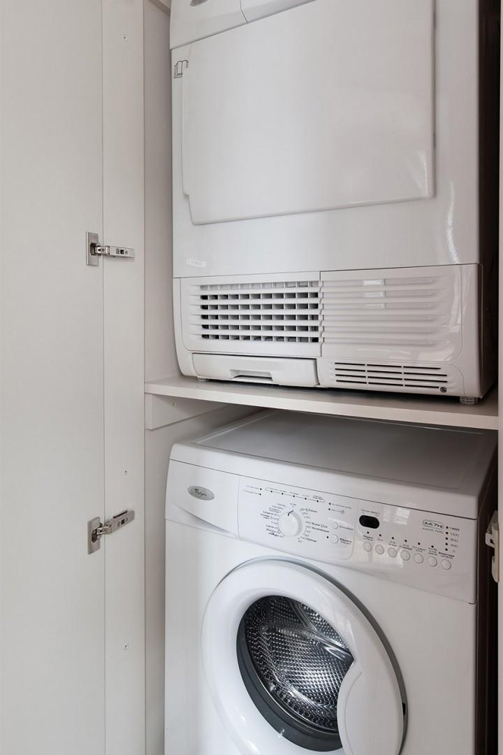 Effective washing machine and dryer makes laundry a breeze!