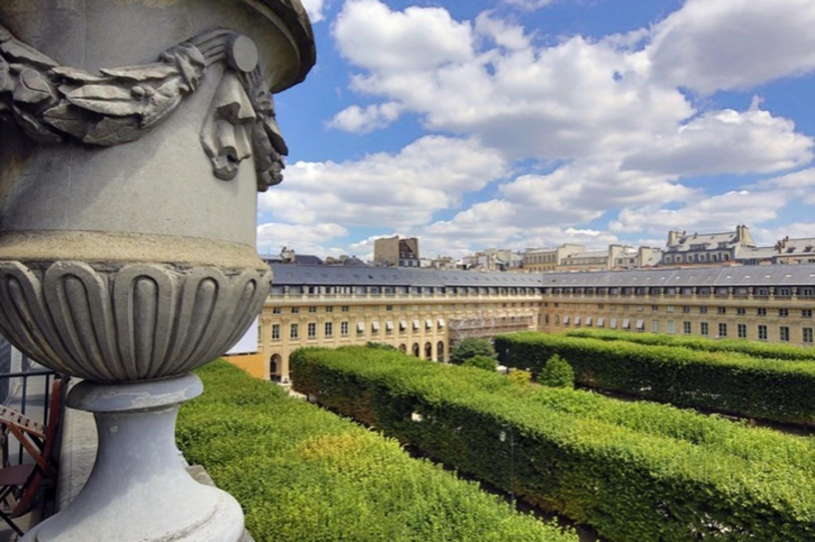 You'll be only a short walk from the Louvre and La Comédie Française!