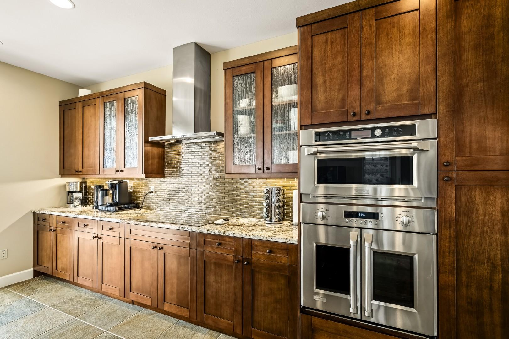 Granite counters throughout